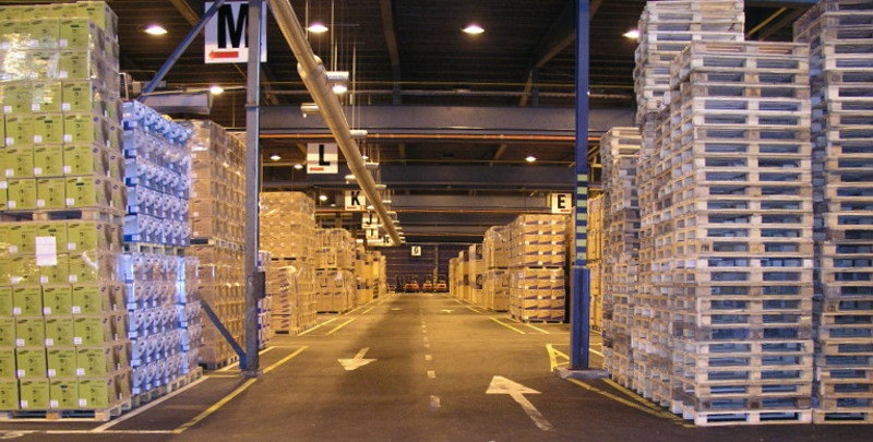 How to choose the proper light fixtures for your warehouse